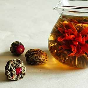 Flowering_tea_gift_box_300